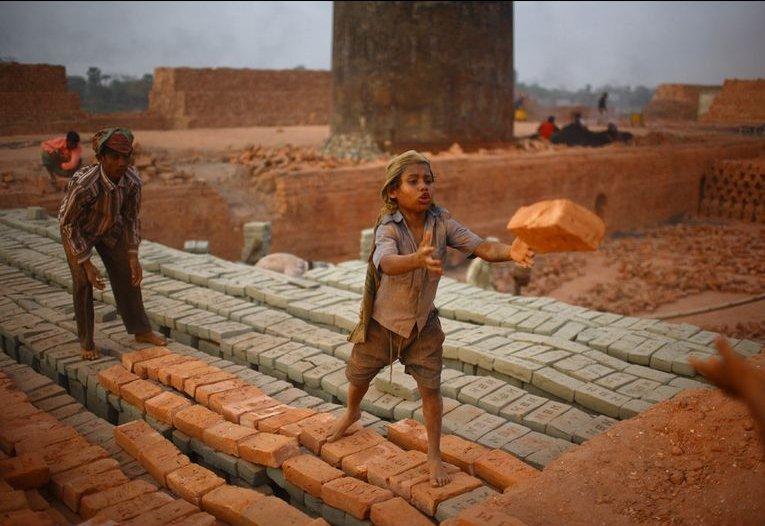 children-from-rural-area-gaibandha-work-brick-factory