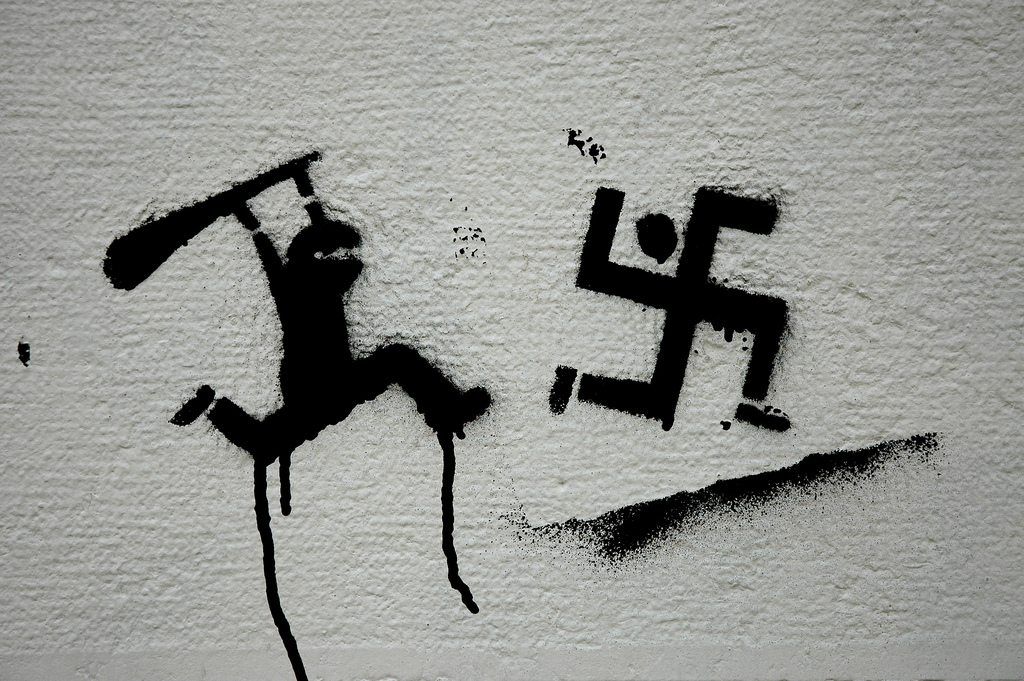 smash fasism